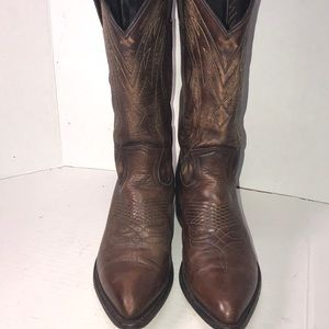 Really Nice Leather Frye Cowboy Boots size 9